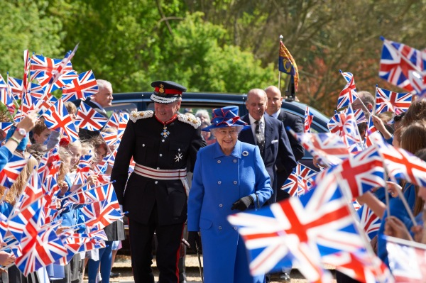 The Queen arriving photo by Nigel Luckhurst
